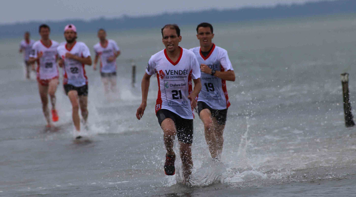Les Foulées du Gois, an annual running race on the Passage du Gois, a tidal causeway off western France