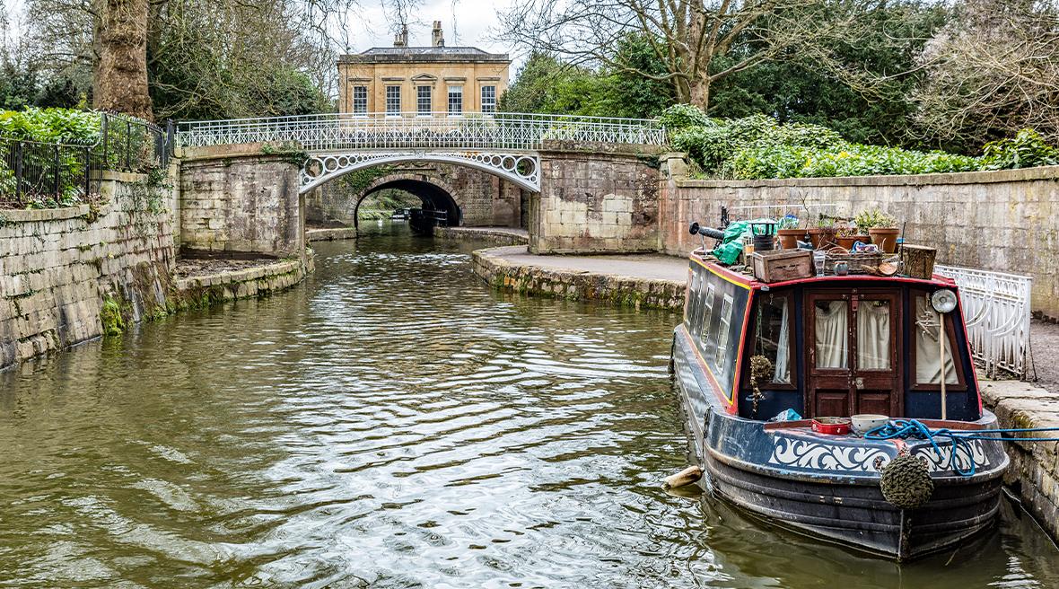Faites un tour de péniche à Bath