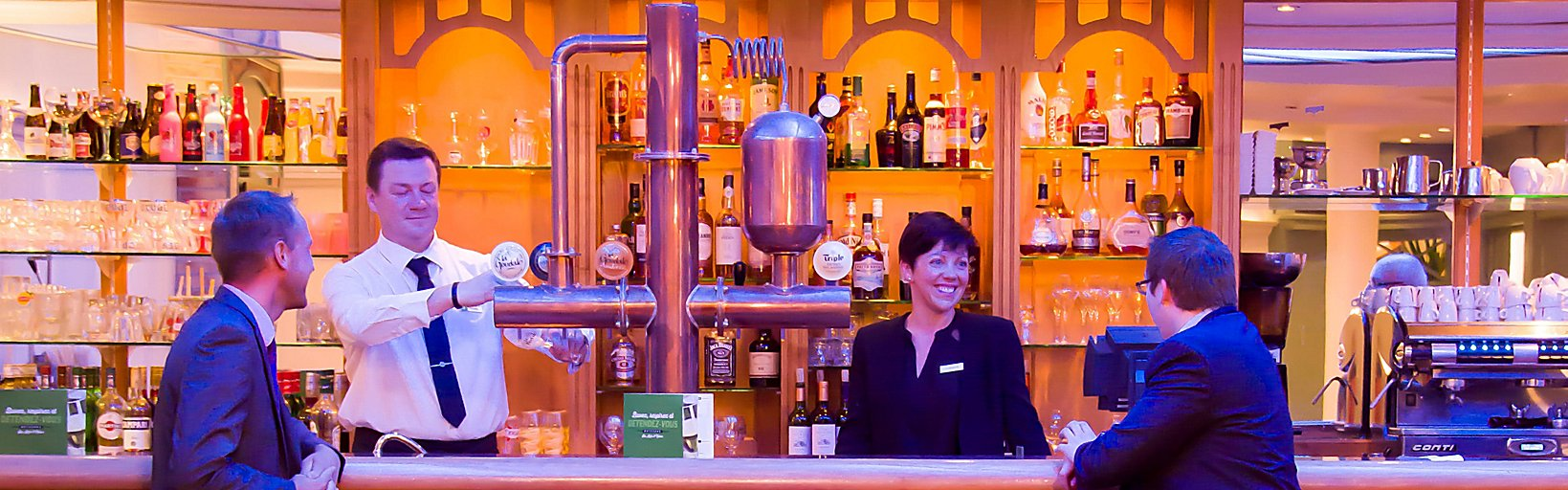 Vinéa pub at Holiday Inn Calais Coquelles