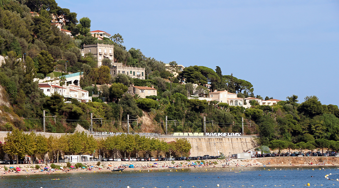 The idyllic Plage des Marinières is loved by locals too